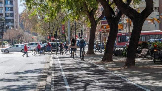 L'Ajuntament de València obri al trànsit dos nous eixos ciclistes