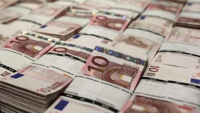 La deuda pública suma 2.196 millones en agosto y llega a 1,2 billones.