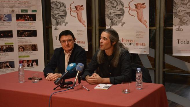 El concejal de Cultura, Teo García; con Álvaro Tato