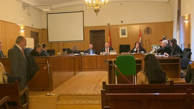 El exalcalde León de la Riva entra al juicio del PGOU en el que ha declarado como testigo.