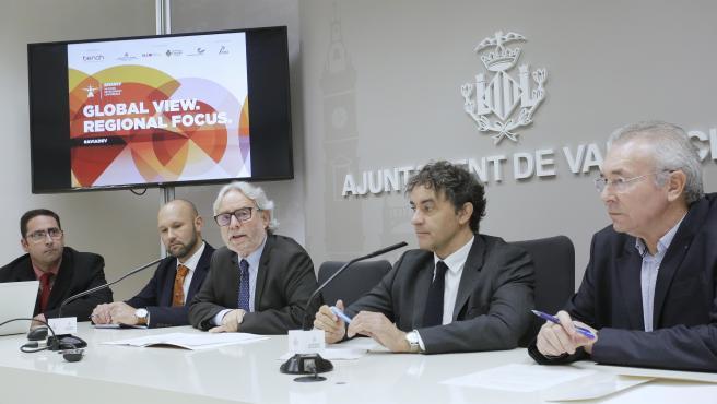Presentación del congreso de aviación AviaDev en València