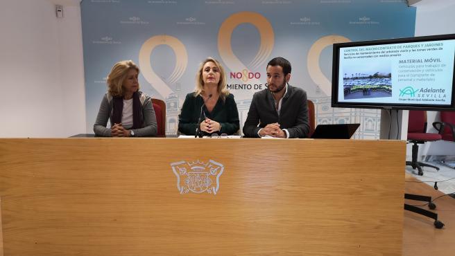 Valle López-Tello, Eva Oliva y Danien González Rojas, durante la rueda de prensa