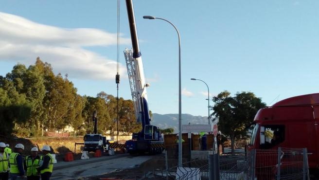 Maquinaria en las obras de soterramiento del paso a nivel de El Puche en Almería