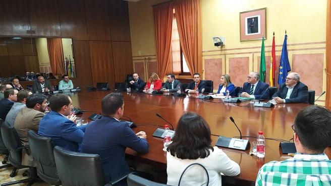 Carazo en la reunión con alcaldes jiennenses.