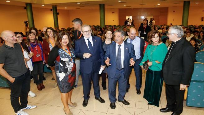 El presidente de Cantabria, Miguel Ángel Revilla, en la inauguración de las jornadas formativas de Proyecto Hombre