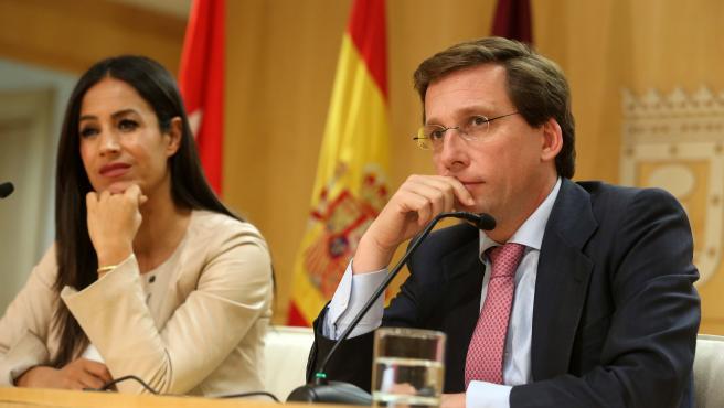Imagen de archivo del alcalde de Madrid, José Luis Martínez-Almeida, y la vicealcaldesa de la capital, Begoña Villacís, en rueda de prensa tras la Junta de Gobierno municipal.