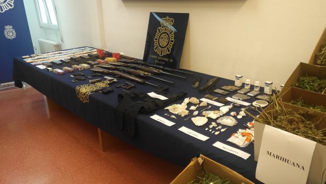 Material intervenido en el marco de la 'Operación Peine' con 8 detenidos en Ferrol.