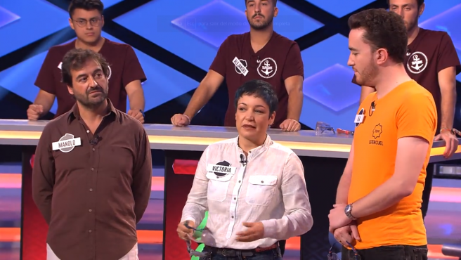 Victoria, de Los dispersos, ente Manolo y Miguel Ángel, en '¡Boom!'.