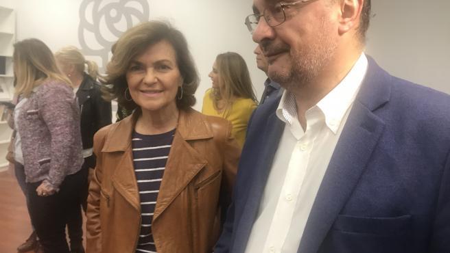 Carmen Calvo y Javier Lambán, en la sede del PSOE en Zaragoza.