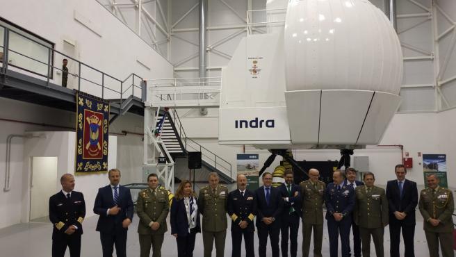 El Acuartelamiento 'Héroes del Revellín' de Agoncillo ha recibido el primer simulador de helicóptero NH-90 para las Fuerzas Armadas.