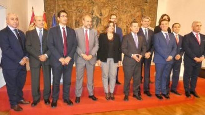 Firma del Plan de Empleo entre las cinco diputaciones y el Gobierno de C-LM.