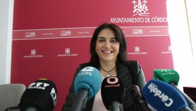 La teniente de alcalde responsable de Servicios Sociales en el Ayuntamiento de Córdoba, Eva Timoteo