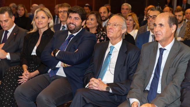 López Miras junto a Josep Piqué en el 'III Día del Economista de la Región de Murcia'