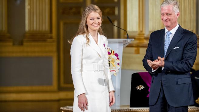 La princesa Elisabeth de Bélgica, durante la ceremonia oficial con motivo de su 18 cumpleaños.