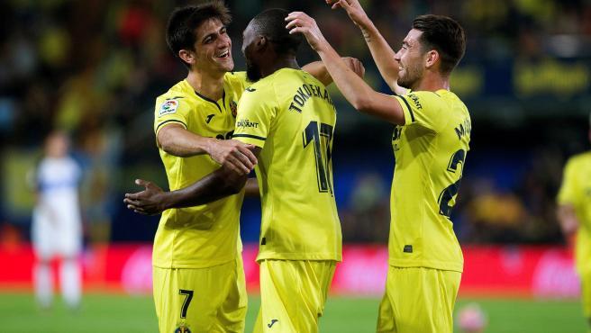 Jugadores del Villarreal celebran un gol
