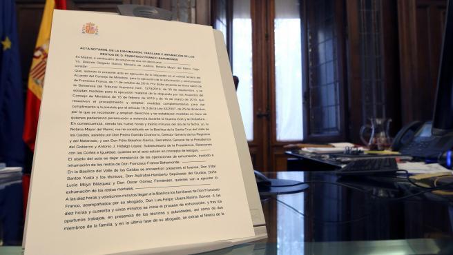Acta notarial de la exhumación de Franco.