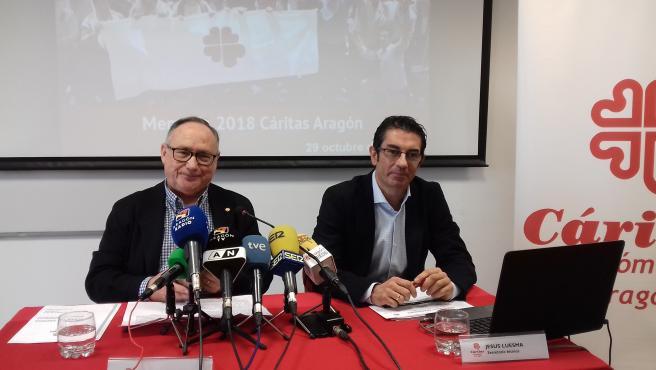 Carlos Sauras y Jesús Luesma, de Cáritas Aragón.