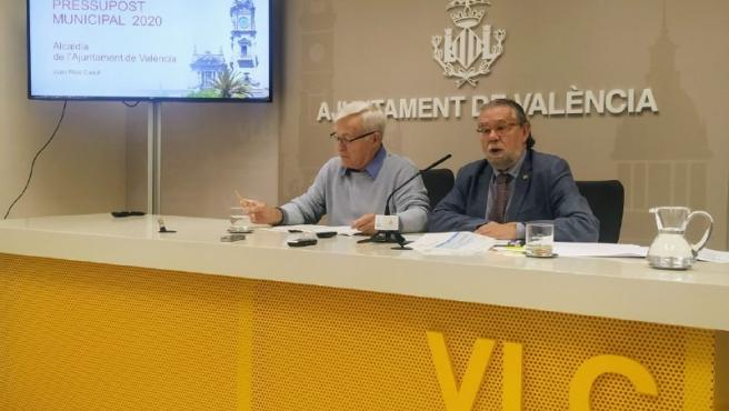 El alcalde de València, Joan Ribó, y el concejal de Hacienda, Ramón Vilar. Presentación de Prespuestos municipales para 2020.