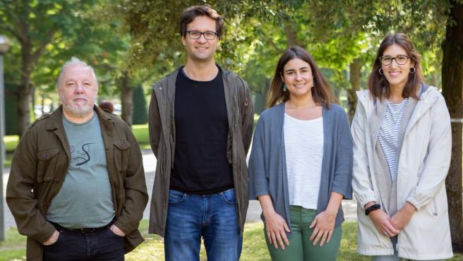 El equipo investigador de la UPNA que participa en el proyecto ALINFA. De izda a derecha, Carlos Vilches, Laureano Martínez, Lucía Martínez y Alejandra Hermoso.