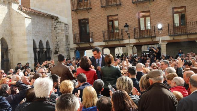 El líder del PSOE, Pedro Sánchez, en un mitin en Palencia de la precampaña del 10N