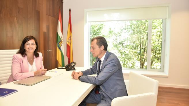 El ministro de Ciencia, Pedro Duque, reunido en Logroño con la presidenta riojana, Concha Andreu