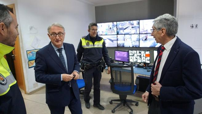 El presidente de la APA, Jesús Caicedo, en las instalaciones de la Policía Porturia