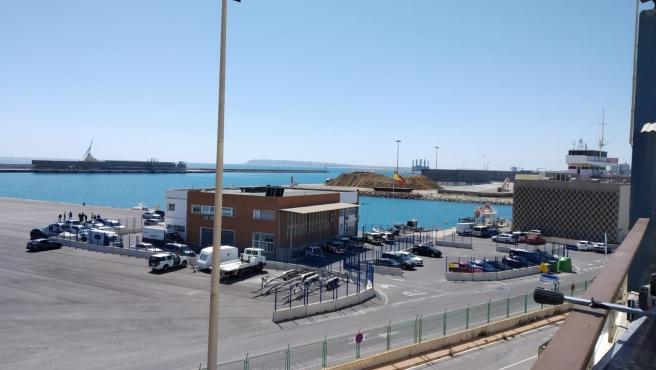 Graneles en el Puerto de Alicante.