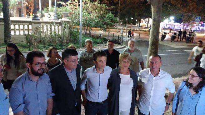 Iñigo Errejón, tercero por la izq, entre Enric Morera y Llum Quiñonero, y junto a Ignasi Candela, Joan Baldoví y Mónica Oltra.