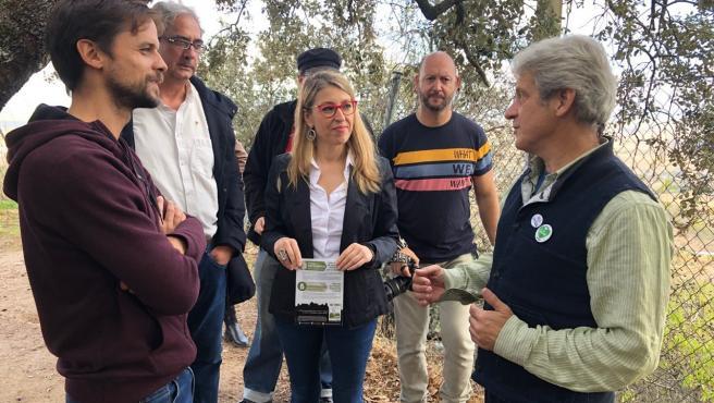 La eurodiputada Eugenia Rodríguez Palop visita los terrenos de la mina de Cáceres