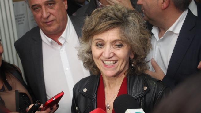 La ministra de Sanidad tras la reunión con Asovica en Soria.