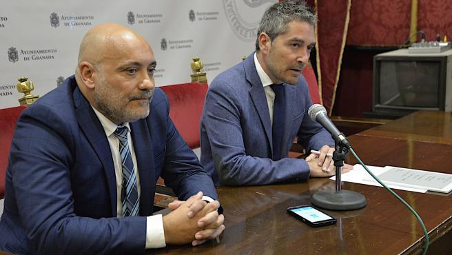 Presentación de convenio entre Ayuntamiento y Federación de Comercio de Granada