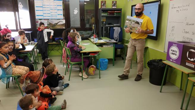 Alumnos del CRA Entrevalles aprenden a reciclar