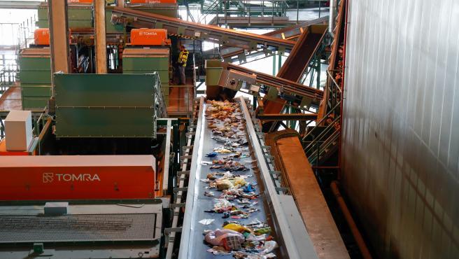 Cinta de traslado de residuos en el interior del Parque Tecnológico de Valdemingómez.