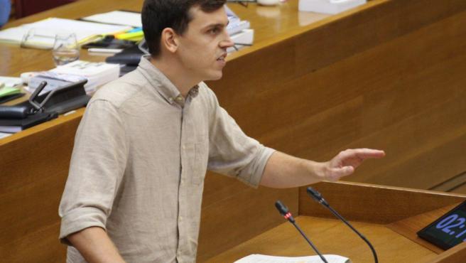 El diputado de Unides Podem en Les Corts Ferran Martínez en Les Corts en imagen de archivo