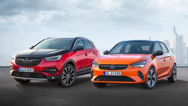 Opel Grandland X Hybrid4 y Opel Corsa-e.