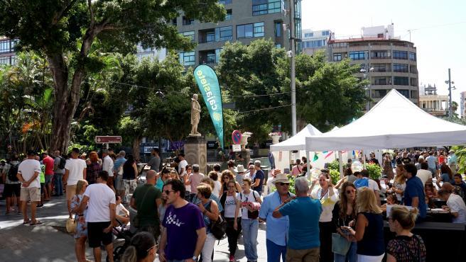 Familias y visitantes se suman a una nueva edición de 'Ven a Santa Cruz'