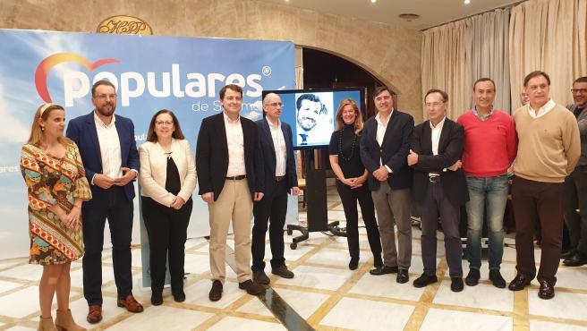 Fernández Mañueco junto a candidatos y representantes del PP en Salamanca.