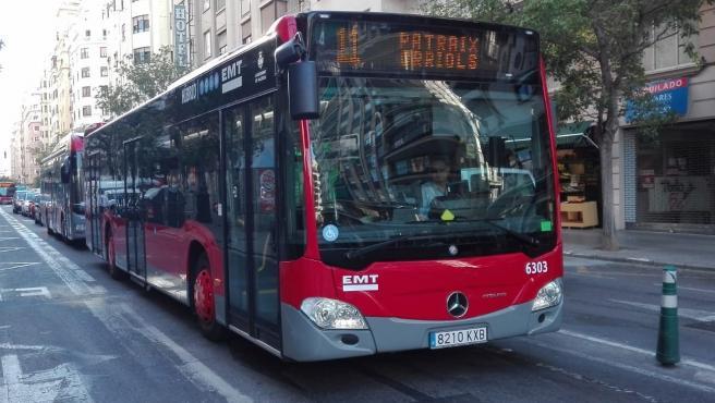 Imagen de archivo de un autobús de EMT València