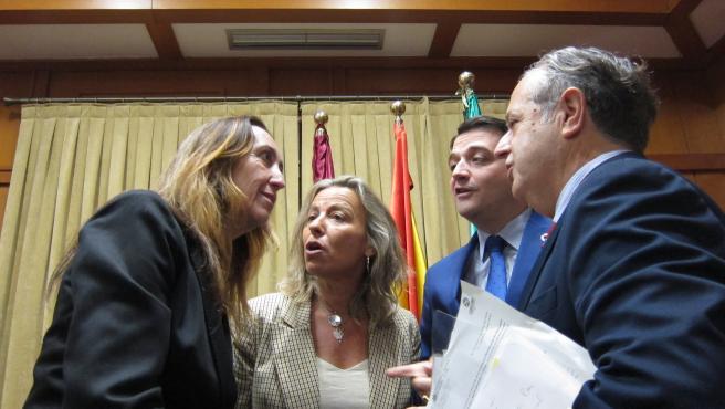 José María Bellido con Isabel Albás, Salvador Fuentes y Paula Badanelli