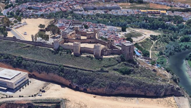Las obras de emergencia en la muralla sur del Castillo de Alcalá darán paso a una rehabilitación integral