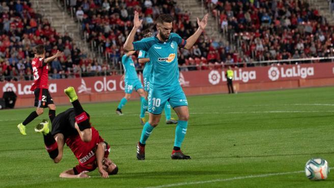 Dani Rodríguez cae ante Roberto Torres en el Mallorca-Osasuna.