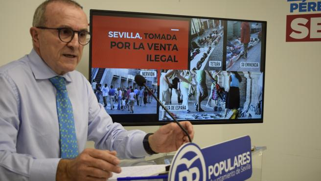 PP Alerta De Que El 'Top Manta' 'Se Está Extendiendo A Otras Calles'
