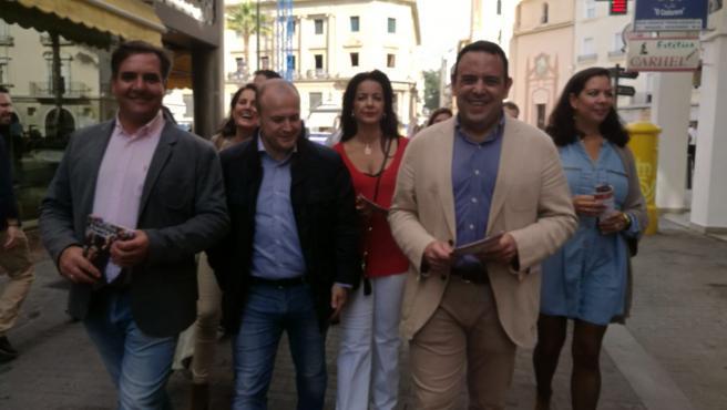 Carlos Hermoso En El Paseo Ciudadanos Por El Centro De Huelva.