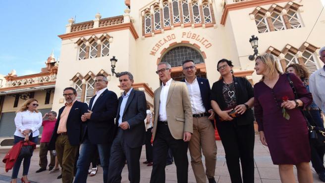 El ministro de Cultura en funciones, José Guirao, en el Mercado Público de La Unión