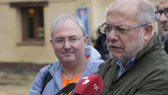 El vicepresidente portavoz y consejero Francisco Igea en Frómista (Palencia).