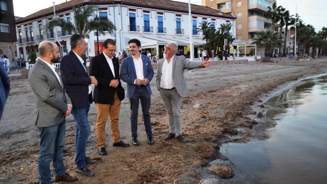 Miguel Garaulet con José Luis Martínez, Eleuterio Ramón Navarro, Ramón Fernández, José Luis Ros en Los Alcázares