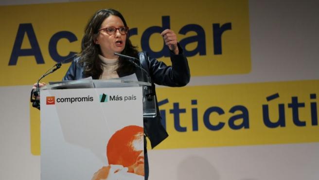Mónica Oltra interviene en un mitin en València