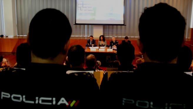Un momento de la inauguración de las sesiones formativas dirigidas de manera específica a los mandos de los cuerpos de seguridad y emergencias