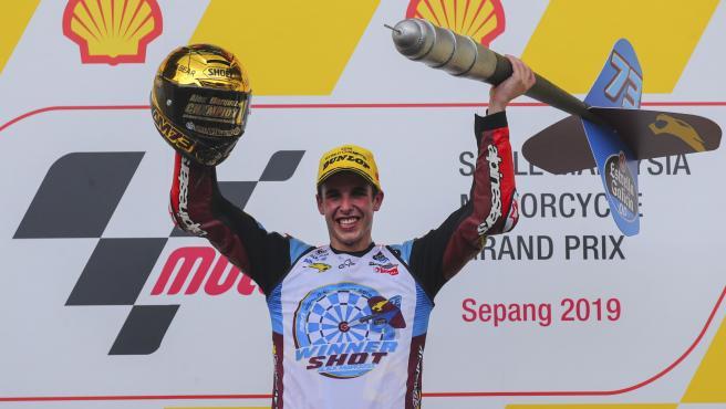 El piloto Alex Márquez, tras proclamarse campeón del mundo de Moto2 en el circuito malasio de Sepang