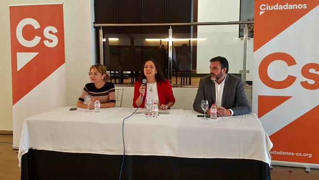 Debate sobre temas sanitarios entre los candidatos al Congreso de Ciudadanos Marta Martín y Juan Ignacio López-Bas
